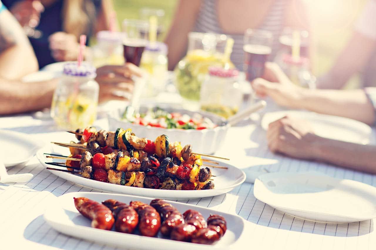 Gartenparty, grillen, essen