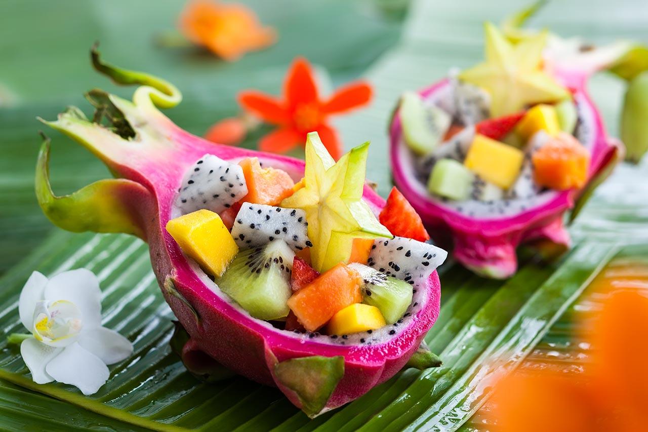 Exotischer Obstsalat, sommerlicher, gesunder Nachtisch