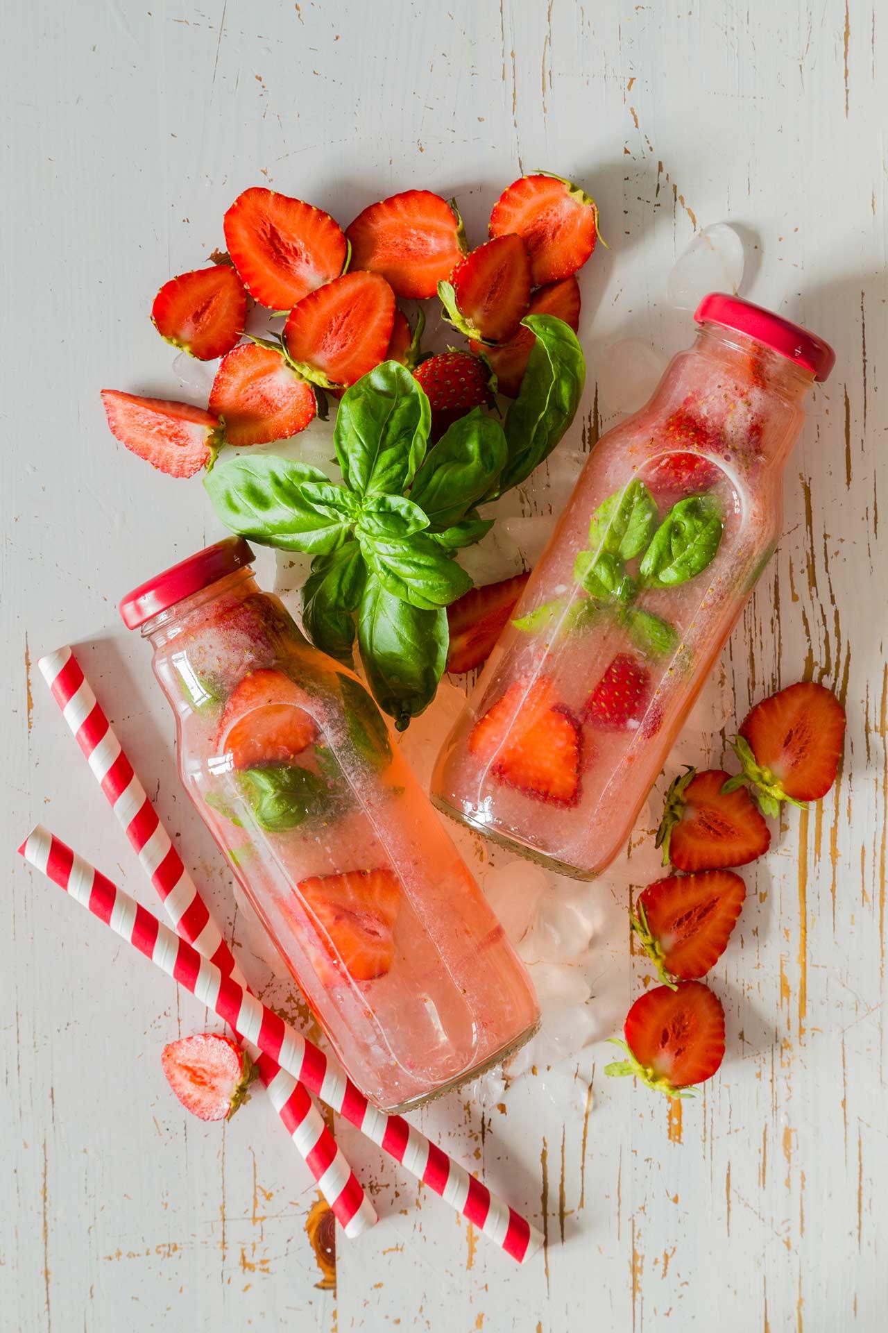 basilikum wasser mit erdbeeren rezept