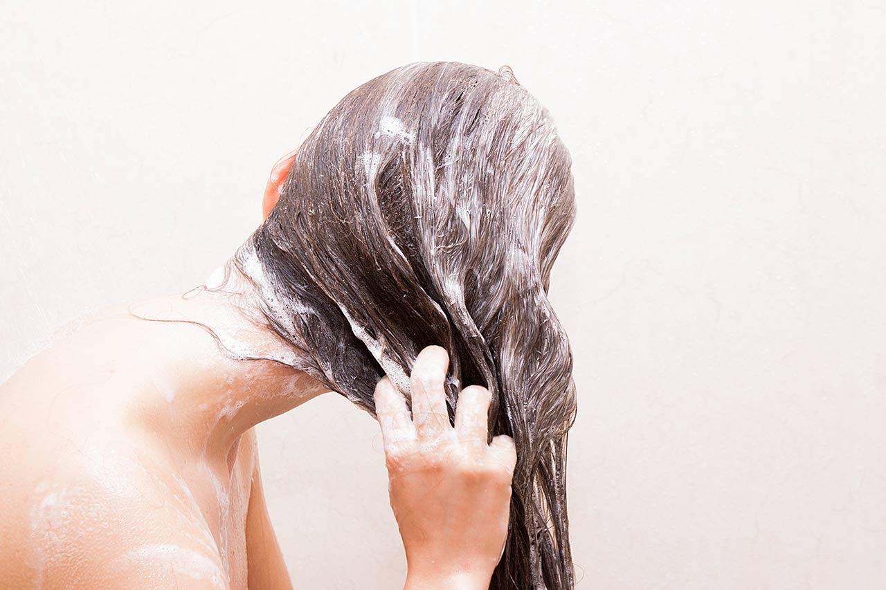 Tägliche Haarwäsche, jeden Tag Haare waschen gesund, schädlich