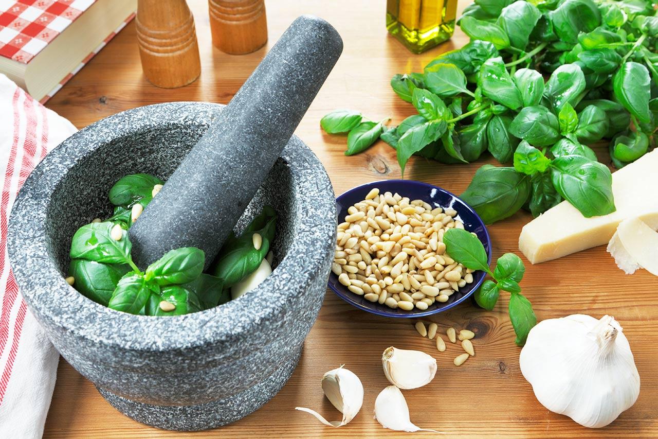 Grünes Pesto selber machen, Basilikum-Pesto-Rezept