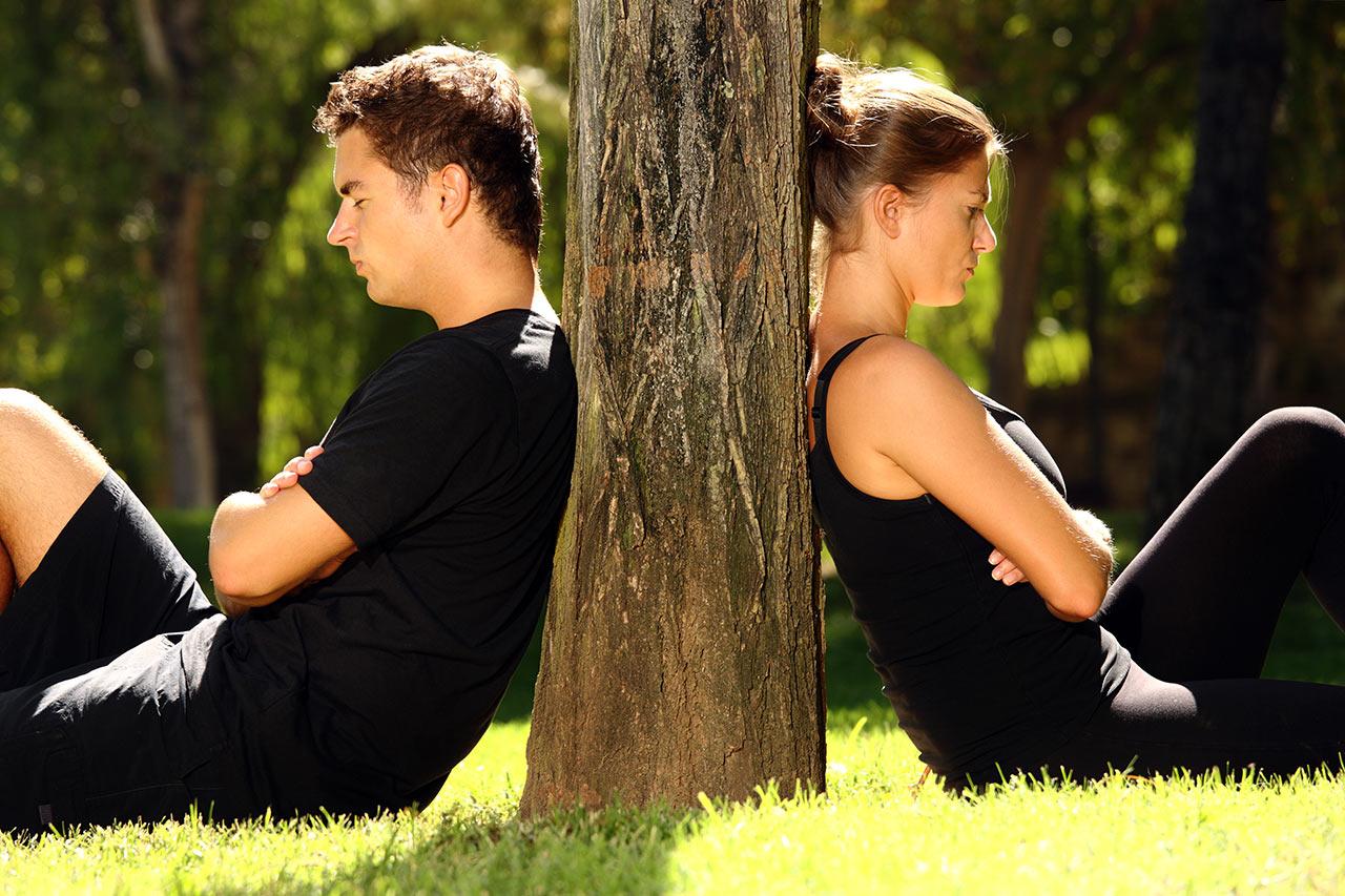 Moderne Beziehung gemeinsam einsam