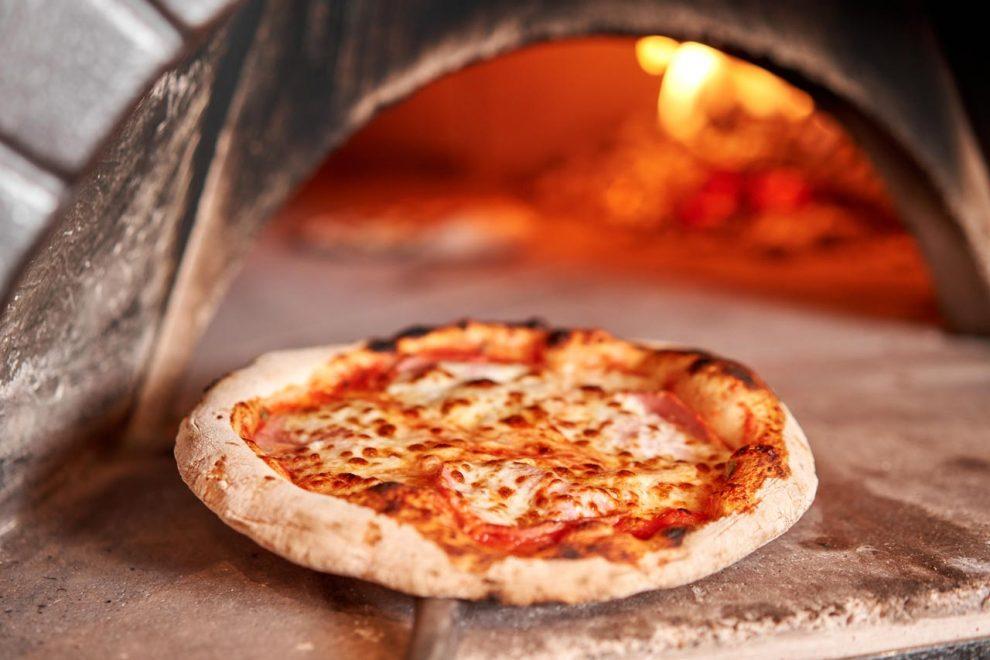 Italienische Pizza selber machen Rezept